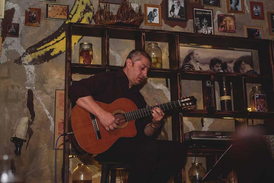 Victor Caicedo La Estación